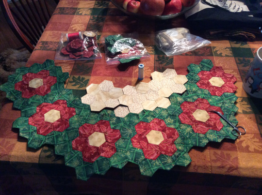 2014- Christmas tree skirt