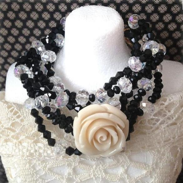 multi strand flower necklace